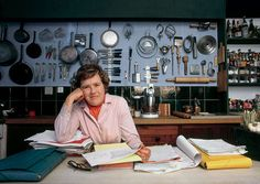 Any one who is a little OCD or loves organization can appreciate Julia Child's cork board approach to kitchen utensils. #JC100