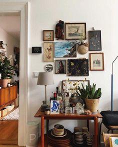 ✔ newest small living room decor apartment ideas 23 - Home Decor Design Decor, Living Room Decor Apartment, Diy Apartment Decor, Interior, Small Living, House Interior, Diy Apartments, Room Decor, Retro Home Decor