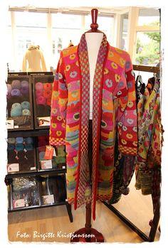 Havets Sus, Knitting, Christel Seyfarth, Knitting festival, Fanø, Denmark Sweater Coats, Sweater Jacket, Knit Cardigan, Crochet Jacket, Knit Crochet, Knitting Machine Patterns, Fair Isle Knitting, Rowan, Knitting Designs