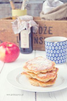 Racuchy z jabłkami (pancakes with apples)