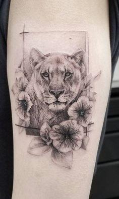 creative lioness tattoo ideas for women © tattoo artist Zlata Kolomoyskaya ❤❤❤❤❤❤ Lioness And Cub Tattoo, Lion Cub Tattoo, Lioness Tattoo Design, Female Lion Tattoo, Big Cat Tattoo, Animal Tattoos For Women, Rib Tattoos For Women, Wrist Tattoos For Guys, Back Tattoo Women