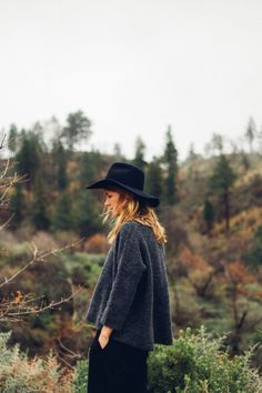 oversized grey sweater + wide brimmed hat
