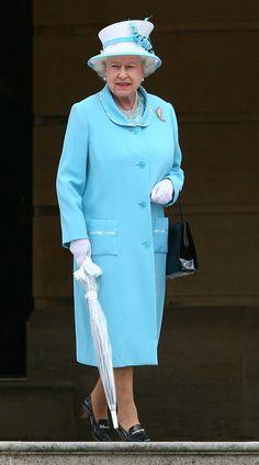 Queen Elizabeth II Photo - Queen Elizabeth II Hosts A Tea Party At Buckingham Palace