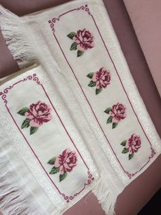 1 million+ Stunning Free Images to Use Anywhere Free To Use Images, Bargello, Baby Booties, Retro, Diy And Crafts, Towel, Cross Stitch, Embroidery, Wallpaper