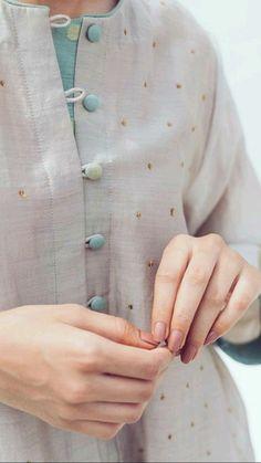 Neck Designs For Suits, Neckline Designs, Blouse Neck Designs, Sleeve Designs, Ladies Kurti Design, Kurta Designs Women, Fancy Dress Design, Stylish Dress Designs, Pakistani Fashion Casual