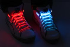 LED-kengännauhat - Tylsistä kengistä hauskat kengät!