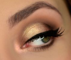 Makeup Geek Eyeshadows in Beaches and Cream, Creme Brulee, and Frappe + Makeup Geek Foiled Eyeshadow in Magic Act. Look by: Magdalena Mizura