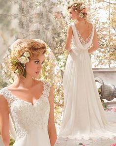 Magnifique robe de mariée style bohème chic, romantique et moderne, dentelle vintage et perles - Mariée du Sud