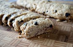 These easy Banana Walnut Biscotti are a delicious Italian Biscotti recipe that is a perfect crunchy cookie, made with bananas, walnuts and dried blueberries. Italian Biscotti Recipe, Italian Cookies, Italian Desserts, Italian Lemon Pound Cake, Dried Blueberries, Cookie Recipes, Blueberry, Cutting Board, Bananas