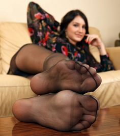 I love my pantyhose feet worshipped
