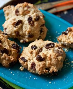 Skip the chocolate bar and go for a simple homemade rock cake as a snack. Delicious with wholemeal flour, too. Uk Recipes, Sweet Recipes, Baking Recipes, Cookie Recipes, Tea Cakes, Mini Cakes, Cupcake Cakes, Cupcakes, Wholemeal Flour Recipes