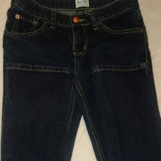 Children's Place Jeans Little girls..... NWOT..... CHILDREN'S PLACE JEANS SIZE 10 EXCELENT CONDITION have elastic with button inside to make smaller or bigger also dark blue Children's Place Jeans Straight Leg