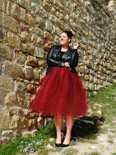 VÍSTETE QUE VIENEN CURVAS: Una falda de tul y un puñado de amor propio (Feliz San Valentín)