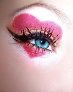 Heart eyeshadow design... Not too fond of the orange eyeshadow and the lashes getting clumped together..