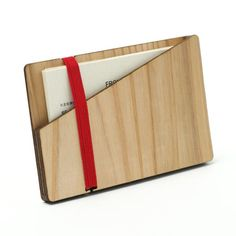 wooden business card case laser cut in cedar thinning of Japan