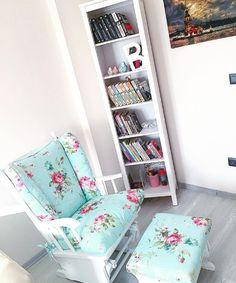 Oturma odanızda böyle bir okuma köşesi olması, kendinize vakit ayırmanız için ilk adım.