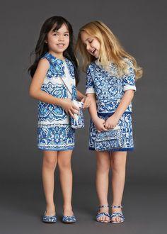 festliche Mädchenmode, schick und elegant, Kleid, Rock und Bluse in Weiß und Blau, Sommertendenzen