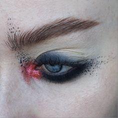 e m b e r | @katvondbeauty Metal Matte palette (jet, bone) + @urbandecaycosmetics Moondust palette (element) | Brows: @anastasiabeverlyhills clear brow gel + @narsissist Bellissima duo | #mua #makeupartist #artist #eyes #blueeyes #freckles #skin #mine #mywork #eyemakeup #eyeshadow #abstract #editorial #editorialmakeup #brows #glitter #smokey #smokeyeye #smudges #lashes  #anastasiabeverlyhills #katvond #urbandecay
