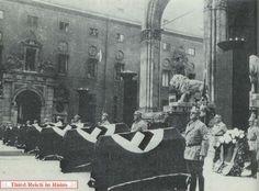 Aufbahrung von Opfern des Bombenattentates auf Hitler im Bierbräukeller