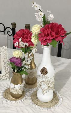 Botellas decoradas para centros de mesa