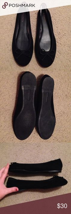 Talbots Ballerina Flats 8W Super cute- excellent condition Talbots shoes size 8W. Black Nubuck/Suede feel Talbots Shoes Flats & Loafers