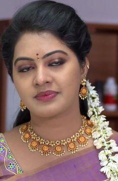 Beautiful Bollywood Actress, Most Beautiful Indian Actress, Beautiful Actresses, 10 Most Beautiful Women, Beautiful Women Videos, Beautiful Blonde Girl, Beautiful Girl Photo, Beautiful Toes, Actress Bikini Images