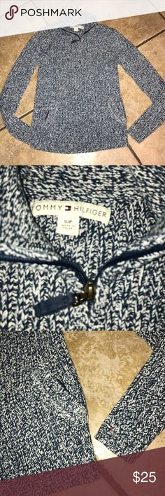 Tommy Hilfiger Pullover Size Small Tommy Hilfiger Pullover Size Small With Pockets Tommy Hilfiger Sweaters