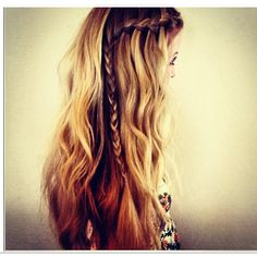 Subtle waves with a side braid - perfect for Summer!