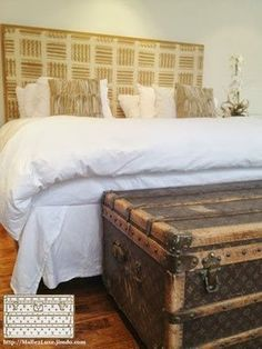 Louis Vuitton home furnishings Old Trunks, Vintage Trunks, Louis Vuitton Trunk, Vintage Louis Vuitton, Collection Louis Vuitton, Decoration, Home Furnishings, Sweet Home, New Homes