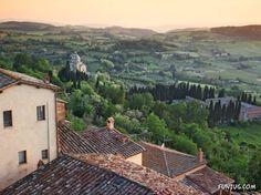 http://www.turismo.intoscana.it/  Tuscany