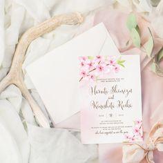 結婚式の招待状の付箋も高品質でおしゃれなEYMオリジナルデザインを♡招待状付箋セット【Cherryblossom】は春といえば定番のお花、桜のデザインが上品で美しい春の結婚式の方にはぴったりのデザインに仕上がっています♪海外風ウェディンググッズ、ペーパーアイテム通販サイトEYMで販売中です。