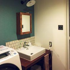 coccoさんの、Bathroom,無印良品,ダイソー,照明,アンティーク,DIY,レトロ,アメリカンスイッチ,平田タイル,タンブラスイッチについての部屋写真