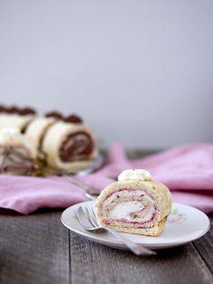 Pradobroty: Bezé ořechová roláda Pancakes, Pie, Breakfast, Recipes, Food, Torte, Morning Coffee, Cake, Fruit Cakes