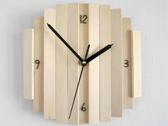 Round breech wood color wall hanging clock di Paladim su Etsy, $29.00