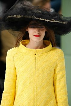See detail photos for Chanel Spring 2015 Couture collection.