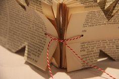 von früheren Zeiten haftet ganz intensiv an all den Seiten von alten Büchern. Ich mag ihren Geruch nach vergilbtem Papier. Die Buchseitent...