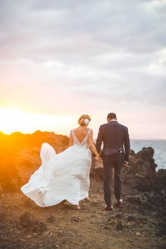 Destination Weddings - A Dream Maui Elopement // Photo by Dmitri & Sandra #hawaii #destinationx