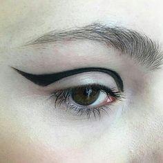 "272 Likes, 1 Comments - @simplicityarchives on Instagram: ""Make-up by @nettart Via @stylemefresh"""