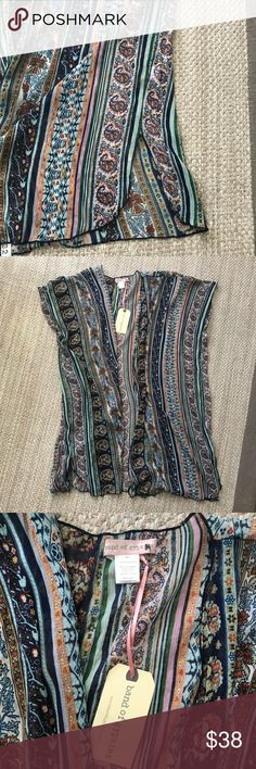 NWT Band of Gypsies Kimono - Size M/L Gorgeous colors in this new Band of Gypsies kimono. There are no flaws. See measurements in pics. Band of Gypsies Tops