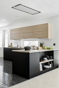 Kitchen Interior Remodeling Is To Me Open Plan Kitchen, Kitchen On A Budget, Kitchen Dining, Kitchen Decor, Black Kitchens, Home Kitchens, Kitchen Views, Small House Decorating, Kitchen Flooring