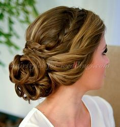 braided+wedding+hairstyles+-+chignon+with+braided+headband
