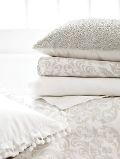 Love these linens.