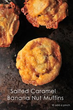 Salted Caramel Banana Muffins - A blend of sweet and salty, creamy and crunchy, ooey and gooey at its very best. Banana Recipes, Muffin Recipes, Brunch Recipes, Breakfast Recipes, Dessert Recipes, Breakfast Ideas, Sweet Recipes, Yummy Recipes, Cake Recipes