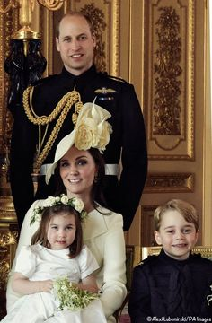 Official Wedding Photos Solve Mystery of Kate's Coat Color - What Kate Wore