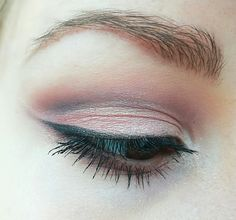 Soft cutcrease makeup