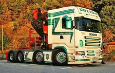 SCANIA heavy tractor equiped with crane