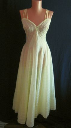75d06a7f31e17 RARE STYLE!! Vintage 50s Vanity Fair Nightgown