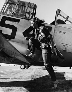 A pilot of the U.S. Women's Air Force Service at Avenger Field, Texas, in 1943.