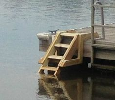 DIY for the cottage! Floating Picnic Table, Floating Dock, Lake Dock, Boat Dock, Building A Dock, River House Decor, Lake Landscaping, Build A Farmhouse Table, Haus Am See