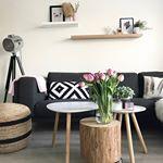 Binnenkijken bij Melissa van huisjenr en haar heerlijke interieur met roze twistHelaas lijkt haar IGaccount niet meer actief maar we wilden jullie haar mooie interieur niet onthoudenCheck ons blog voor de complete binnenkijker in het sfeervolle Huisje  blog binnenkijken interieurinspiratie interieur interiordesign scandinavisch